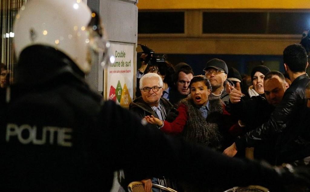Moelbeck Angry Crowd