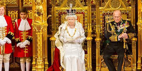 Queen opens parliament