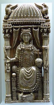 """Qu'y a t-il de celtique dans le """"mythe arthurien"""" ? - Page 3 Ariadnebust"""